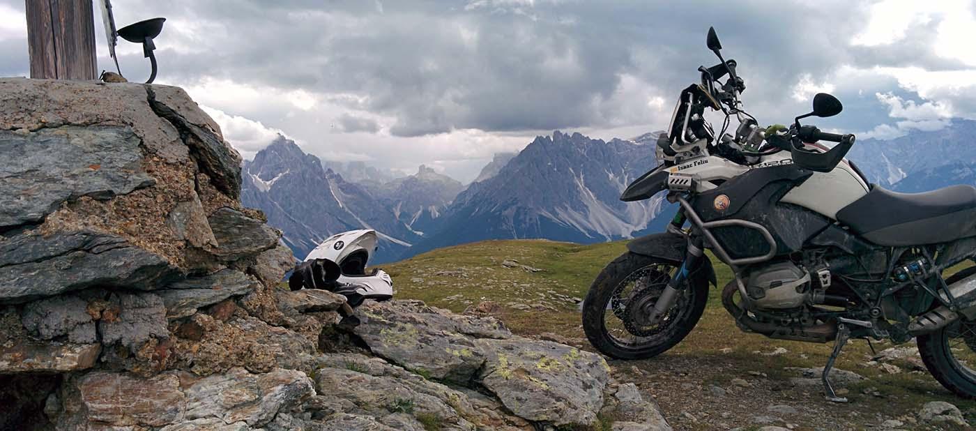 Viajar en moto: ¿Por tu cuenta o en un tour organizado?
